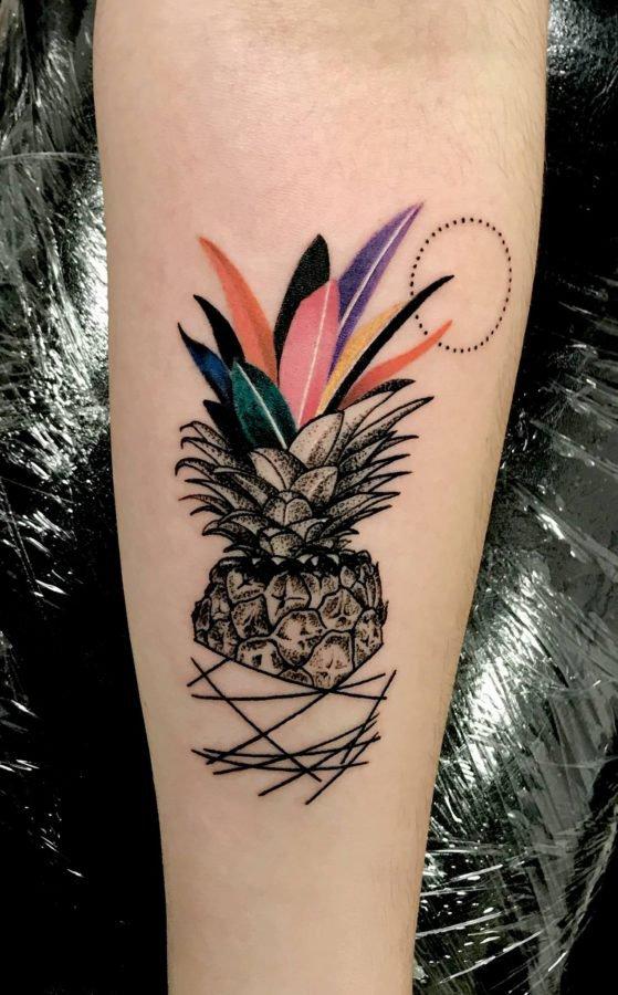 ananas-liniar-tatuaj