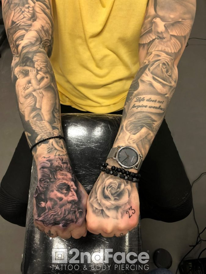 arms-tattoo