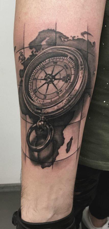 busola-harta-tatuaj