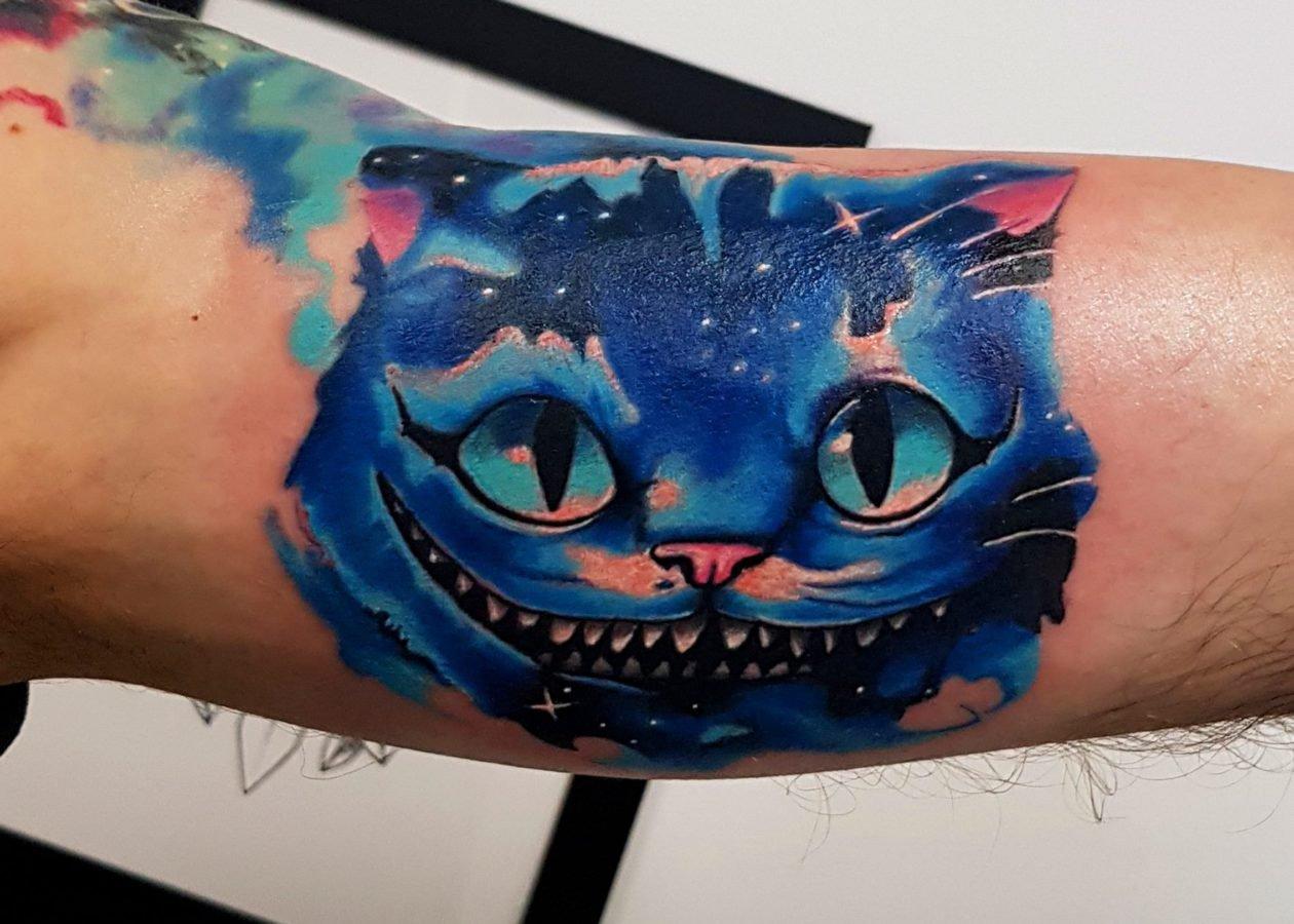 cat-alice-wonderland