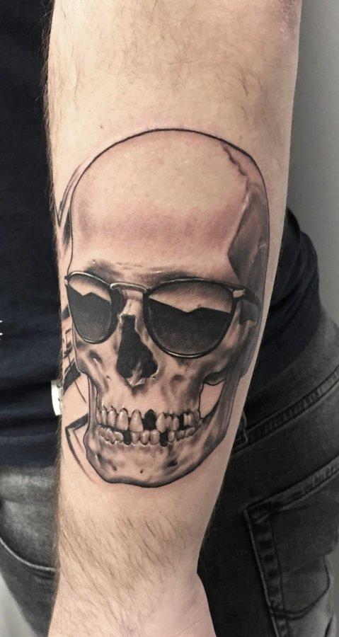 craniu-ochelari-tatuaj