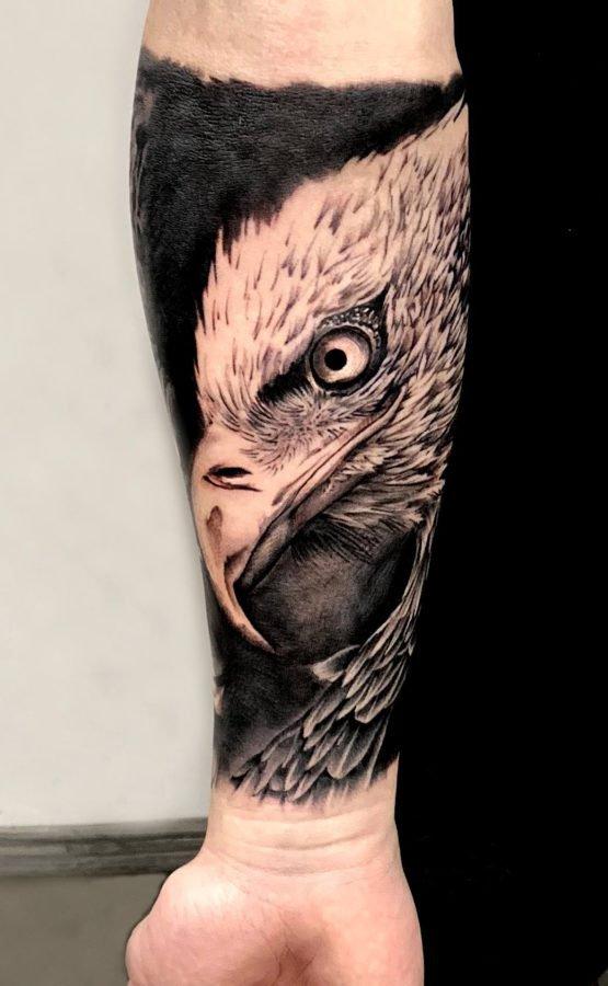 eagle-realistic-tattoo