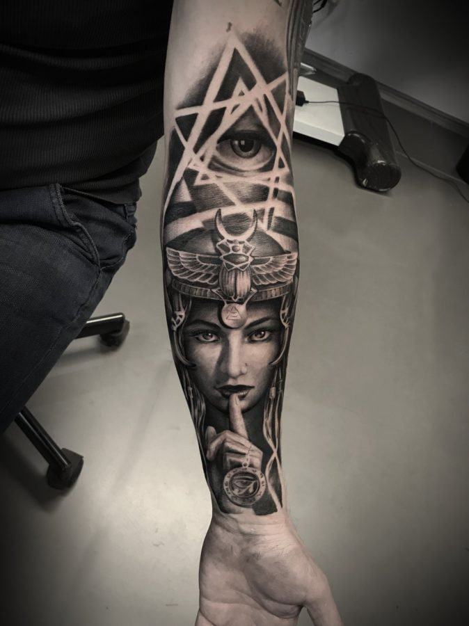 eye-women-tattoo
