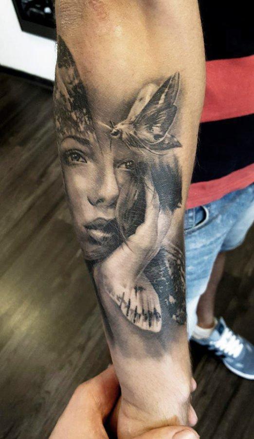 femeie-fluture-tatuaj